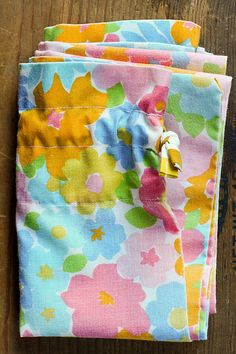 Vintage Pillowcase Laundry Bag by @Jeni on her blog In Color Order