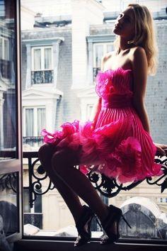 Pink ruffles & pleating. So pretty.