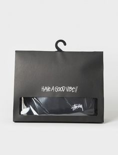 Always stay fresh by checking out New Arrivals from Stussy Men's fashion. Stussy making sure to provide you new merchandise with constant greatness. Shirt Packaging, Clothing Packaging, Fashion Packaging, Perfume Packaging, Cool Packaging, Label Design, Box Design, Branding Design, Paper Bag Design