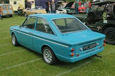 Another Classic Singer Chamois Coupe YYC 680 H from Andy Smiths Hillman Imp Website Singer Cars, Classic European Cars, Chamois, British Sports Cars, Cute Cars, Small Cars, Retro Cars, Old Cars, Motor Car