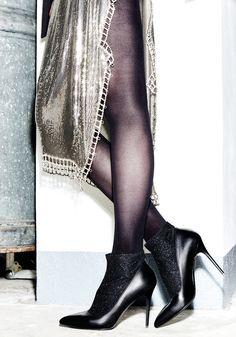 Décolleté Albano realizzato in  pelle nera con calza in tessuto elastico glitter!!