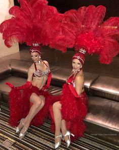 Showgirl Costume, Vegas Showgirl, Samba Costume, Girl Costumes, Dance Costumes, Las Vegas Show Girls, Carnival Girl, Circus Outfits, Exotic Dance