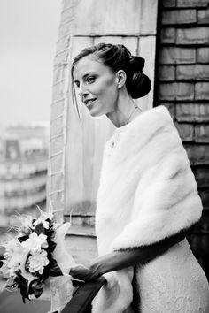 Bouquet de la mariée, rond, pastel, blanc, par A Fleur et à Mesure, Agence d'organisation de mariage Paris, www.mariagedanslair.com