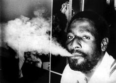 World Cup Heroes: Viv Richards Viv Richards, Ricky Ponting, Smoking Is Bad, Michael Love, Test Cricket, West Indian, Sports Pictures, Sport Man, World Cup