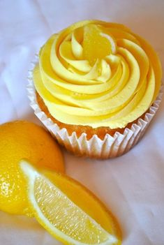lemon coconut cupcakes from blue sky Fruity Cupcakes, Lemon Cupcakes, Fondant Cupcakes, Yummy Cupcakes, Cupcake Cookies, Yellow Cupcakes, Coconut Cupcakes, My Favorite Food, Favorite Recipes