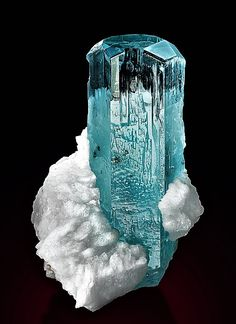 Minerals And Gemstones, Rocks And Minerals, Natural Gemstones, Gem Diamonds, Mineral Stone, Rocks And Gems, Stones And Crystals, Bling, Jewels