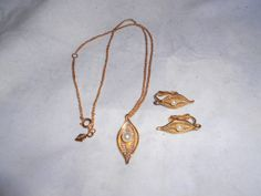 VINTAGE signed Sarah Coventry Necklace and by vintagebyrudi, $8.99