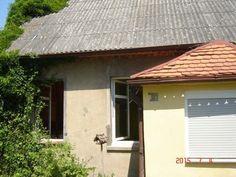 Na sprzedaż dom w Katarzyninie, gm. Kościan, nieruchomość składa się z działki zabudowanej domem parterowym z werandą, składa się z 4 pokoi, kuchni, łazienki, korytarza