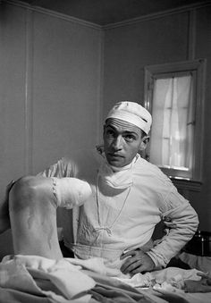 'Country Doctor' was an instant classic when first published in LIFE in establishing W. Eugene Smith as a master of the photo essay Okinawa, Kansas, Famous Photography, White Photography, Eugene Smith, Medical Careers, Medical History, Young Art, Magnum