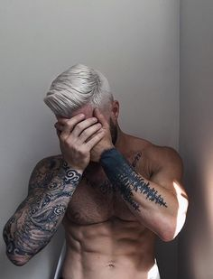 Hair, physique, tattoos