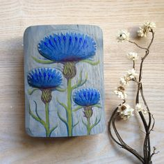 these solid, hand sized objects are unique creations from LESCHIWELT. The images are hand carved, painted and sanded. They are ideal for hanging on a Flora Botanica, Collage Art Mixed Media, Hand Carved, Coin Purse, Objects, Carving, Ceramics, Stone, Etsy