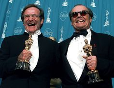 Robin Williams and Jack Nicholson show off their Oscars.