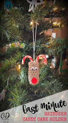 Last Minute Reindeer Candy Cane Holders http://oombawkadesigncrochet.com/2016/12/last-minute-reindeer-candy-cane-holders.html