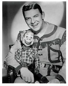 d3e2e4f62464f88fb40fab4b7c99db50--kids-tv-shows-howdy-doody.jpg (397×500)