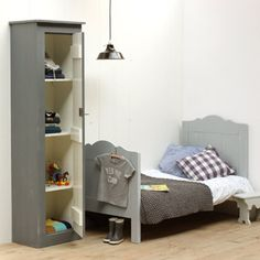 Op zoek naar een Juniorbed Sammy grijs? Bij Saartje Prum vind je de leukste Peuterbed/Juniorbed voor de kinderkamer.