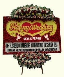 Bunga Papan Pernikahan Manggala Wanabakti Kirim karangan bunga papan ucapan selamat ke gedung Manggala Wanabakti di 3 lokasi, yaitu: Ruang A. Home Wedding, Earthy, Flora, Christmas Ornaments, Holiday Decor, Happy, Jakarta, Holland, Dan