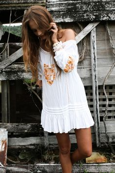 Sexy boho chic tunic dress with gypsy embellishments for a modern hippie style. FOLLOW http://www.pinterest.com/happygolicky/the-best-boho-chic-fashion-bohemian-jewelry-gypsy-/ for the BEST Bohemian fashion trends in clothing & jewelry.