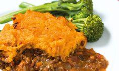 Vegetarian shepherd's pie with sweet potato mash Diabetic Recipes For Dinner, Vegetarian Recipes, Dinner Recipes, Healthy Recipes, Uk Recipes, Sunday Recipes, Low Gi Dinners, Veggie Meal Plan, Balanced Meal Plan