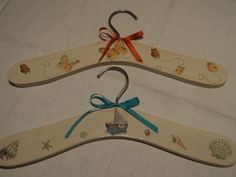 Perchas Infantiles Hangers, Clothes Hanger, American Girl, Shabby Chic, Baby Shower, Country, Cover, Room, Brides