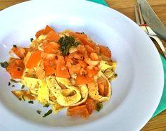 Talharim de ovos com tomatinhos temperados