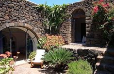 Dammuso Sant'Anna Pantelleria Featuring a garden with BBQ facilities, Dammuso Sant?Anna offers a self-catering apartment on Pantelleria Island, a 5-minute drive from the city centre. Guests will stay in a Dammuso, a typical stone building of the island.