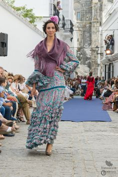 flamencuraweb.com | Vejer Flamenco 2016: Rocío Olmedo Dance Outfits, Photography, Hijabs, Beauty, Dresses, Fashion, Outfits With Frills, Dirndl, Thanks