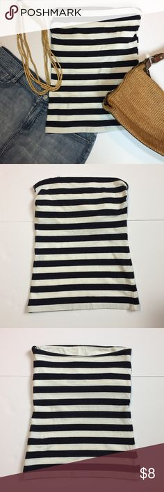 """🆕Listing: H&M Navy & White Stripe Strapless Top H&M Basic Navy & White Stripe Strapless Top. Size S measures: 13-16"""" across top, 13-15"""" at elastic on built in bra top, 17"""" long. 95% cotton, 5% elastin. 311/25/040417 H&M Tops"""