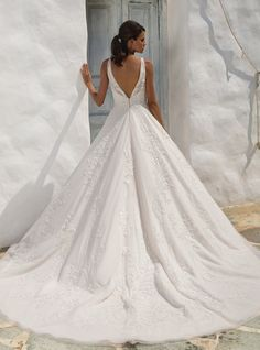 Justin Alexander Misty Rose/Sand/Ivory English Net Lace & Tulle 8953 Formal Wedding Dress Size 12 (L) - Tradesy Size 12 Wedding Dress, Dream Wedding Dresses, Wedding Gowns, Prom Dresses, Bridal Gown Styles, Bridal Gowns, Justin Alexander Bridal, Wedding Hairstyles Half Up Half Down, Ball Gown Wedding