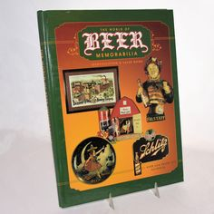 Vintage Collector Book Beer Memorabilia Identification Value Guide Copyright 1997 from @antikavenue on @rubylane #beercollecting #beeradvertising #vintageadvertising