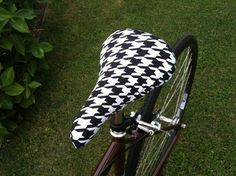 Houndstooth Bicycle Saddle Cover