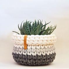 Crochet Home, Love Crochet, Crochet Yarn, Crochet Flowers, Crochet Designs, Knitting Designs, Crochet Patterns, Knit Basket, Crochet Circles