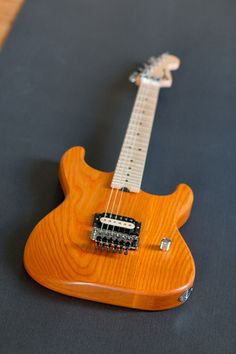 Nice partscaster super Strat. KNE body and Musikraft neck.
