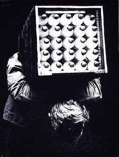 Vaikuttava Valokuva-murroksen vuosikymmenet Photographers, Playing Cards, Polaroid Film, Playing Card Games, Cards, Game Cards, Playing Card