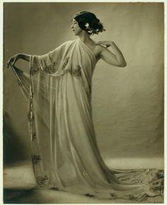 Ruth St. Denis in Greek Veil - ID: den_1286v - NYPL Digital Gallery