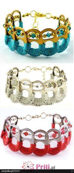Bracelets faits à partir de bouchons de canettes de soda. Ingénieux ! = Bracelets made from crochet embellished soda can tops