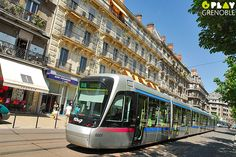 Tramway, place Victor-Hugo, Grenoble