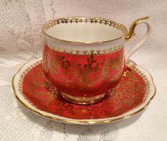 English Vintage ROYAL ALBERT Fine Bone China Tea Cup & Saucer - Marlborough Series