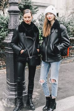 Looking for a matching outfit to wear with your best friend? Here are 20 chic ideas courtesy of the street style set. Looking for a matching outfit to wear with your best friend? Here are 20 chic ideas courtesy of the street style set. Mode Outfits, Fashion Outfits, Womens Fashion, Fashion Trends, Fashion Lookbook, Trendy Fashion, Style Fashion, Cheap Fashion, Looks Street Style