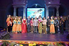 26.6.2018 Indonesian Cultural Night : Discovering Wonderful Indonesia - Weltmuseum Wien, Austria Museum, Dresses, Fashion, World, Vestidos, Moda, Fashion Styles, Dress, Fashion Illustrations