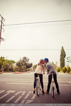 Such a cute engagement shoot! And they have matching shoes!