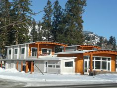 Beachlife Sweet Guest House - Two bedrooms and two bathrooms - Peachland Two Bedroom, Washer And Dryer, Beautiful Beaches, Cabin, Vacation, House Styles, Canada, Travel, Products