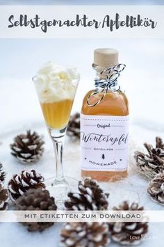Perfect for cold winter days: Homemade apple liqueur to give away and . Perfect for cold winter days: homemade apple liqueur as a gift and s 2020 – weddin Easy Smoothie Recipes, Easy Smoothies, Snack Recipes, Pumpkin Spice Cupcakes, Camping Meals, Ice Cream Recipes, Winter Food, Diy Food, Healthy Drinks