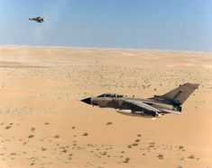 RAF Tornado at low level over the Saudi desert during Operation Granby, Military Videos, Military History, Military Weapons, Military Aircraft, Us Special Forces, Falklands War, British Armed Forces, Naval History, Afghanistan War