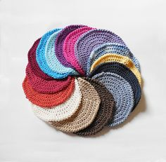 Round Durable Dishcloths Set - Assorted Colors – Robin Harley offers FREE SHIPPING in the U.S. and Canada