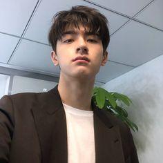 Korean Boys Hot, Asian Boys, Darren Wang, Sungjae Btob, O Drama, Boy Photography Poses, Kdrama Memes, Cute Actors, Handsome Faces