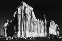 "Elliott Erwitt - Germany. Berlin. 1995. ""Wrapped Reichstag"" by Christo and Jeanne-Claude. for Sale 