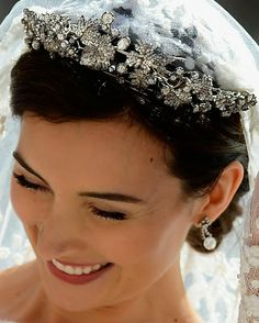 Luxembourg Diamond Vine Leaves Tiara ~ ~ Made of diamonds set in gold and silver ~ Provenance: Grand Duchess Charlotte of Luxembourg ~ Shown here worn by Princess Claire of Luxembourg at her 2013 wedding to Prince Felix of Luxembourg Royal Crowns, Royal Tiaras, Tiaras And Crowns, Royal Brides, Royal Weddings, Corona Real, Princess Sofia Of Sweden, Diamond Tiara, Royal Jewelry