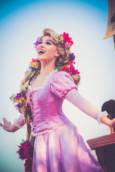 """hugggypan: """" Not Peter Pan related but have to share this pic of my favorite gal Alice """""""