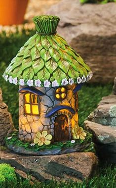 Resultado de imagem para how to make a polymer clay fairy house! the blue firy ´s house is off to new méxico later this week Clay Fairy House, Gnome House, Clay Houses, Ceramic Houses, Ceramic Clay, Miniature Fairy Gardens, Miniature Houses, Fairy Garden Houses, Garden Art