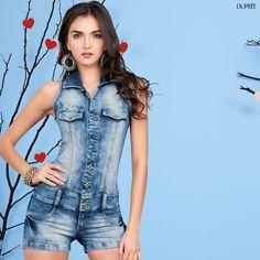 Enterizo en jean. Moda mujer. Look para verano